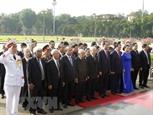 Lãnh đạo Đảng Nhà nước vào Lăng viếng Chủ tịch Hồ Chí Minh