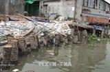 Нгуен Суан Фук поручил сконцентрироваться на ликвидации последствий оползней в дельте реки Меконг