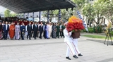 Руководители и жители г. Хошимина почтили память Дяди Хо