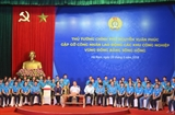 Премьер Вьетнама провёл диалог с рабочими промзон в дельте Красной реки