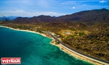 ベトナムの海岸沿いを走る美しい道