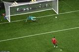 Cristiano Ronaldo lập hat-trick giúp Bồ Đào Nha hòa Tây Ban Nha