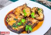 Braised grouper in caramel sauce