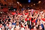 Croatia vào vòng 1/8 World Cup 2018: Người dân đổ ra đường mừng chiến thắng