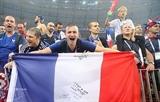 Как французские болельщики отмечали победу команды в финале ЧМ-2018 в центре Москвы