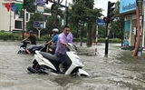 Тайфун Шонтинь обрушился на побержье провинций от Тханьхоа до Куангбиня
