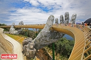 Único puente dorado en Da Nang