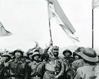 ສະເຫຼີມສະຫຼອງ 45 ປີແຫ່ງວັນການນຳ ກູບາ Fidel Castro ມາຢ້ຽມຢາມເຂດປົດປ່ອຍຢູ່ແຂວງ ກ໋ວາງຈິ