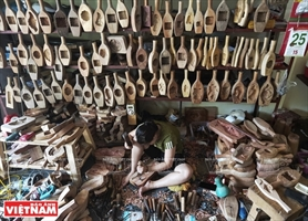 Hanoi village keeps an old craft alive