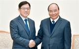 នាយករដ្ឋមន្រ្តីវៀតណាមលោក Nguyen Xuan Phuc មានគោលបំណងចង់ Samsung ពង្រីកផលិតកម្មនៅវៀតណាម