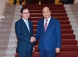 Премьер Нгуен Суан Фук принял генерального директора компании Самсунг Вьетнам