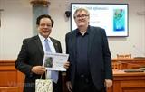 Авторы вьетнамско-чешского большого учебного словаря получили чешскую литературную премию 2019 года