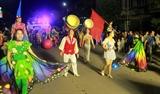Đặc sắc diễu hành nghệ thuật xiếc đường phố tại Quảng Ninh