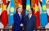 Премьер-министр Вьетнама принял Председателя Мажилиса Парламента Казахстана