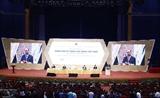 Le PM assiste au forum  Elever le savoir-faire des travailleurs vietnamiens