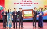 Chủ tịch Quốc hội Nguyễn Thị Kim Ngân dự Lễ Kỷ niệm Ngày Nhà giáo Việt Nam tại Trường Đại học Kinh tế quốc dân