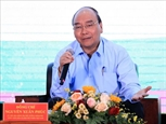នាយករដ្ឋមន្ត្រី លោក Nguyen Xuan Phuc អញ្ជើញជួបសន្ទនាជាមួយកសិករ