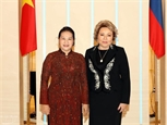 Vietnam-Russie : Nguyên Thi Kim Ngân sentretiennent avec Valentina Matvienko