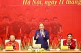 Премьер-министр Вьетнама встретился со сборными Вьетнама по футболу