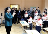 Chủ tịch Quốc hội Nguyễn Thị Kim Ngân thăm lớp học tiếng Việt tại thủ đô Minsk Belarus