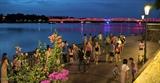 Ấn tượng Cầu đi bộ dọc Sông Hương