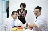 Đại sứ Palestine tại Việt Nam tham gia hiến máu nhân đạo