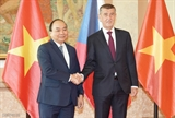 Премьер-министр Вьетнама и Премьер-министр Чехии провели переговоры