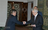 Президент Алжира желает развивать отношения с Вьетнамом