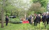 Le 129e anniversaire du président Ho Chi Minh célébré à létranger