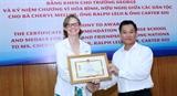Trao phần thưởng cao quý của Liên hiệp các tổ chức hữu nghị Việt Nam tặng tập thể và cá nhân Trường George