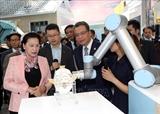 La présidente de lAN Nguyen Thi Kim Ngan visite le parc scientifique de Zhongguancun
