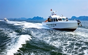 James Boat用新材料造船的带头鸟