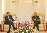 Le vice-ministre de la Défense Nguyen Chi Vinh reçoit le directeur de lUSAID au Vietnam