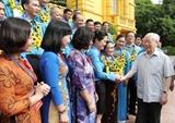 Tổng Bí thư Chủ tịch nước gặp mặt Đoàn đại biểu cán bộ công đoàn tiêu biểu