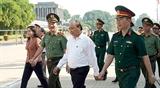 Премьер-министр Нгуен Суан Фук провел проверку Мавзолея Хо Ши Мина