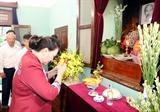 Председатель НСВ зажгла благовония в память о Президенте Хо Ши Мине в Доме 67