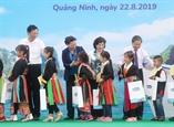 Chủ tịch Quốc hội thăm làm việc tại huyện Hoành Bồ Quảng Ninh