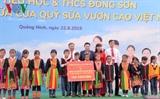 ប្រធានរដ្ឋសភាវៀតណាមលោកស្រី Nguyen Thi Kim Ngan អញ្ជើញសួរសុខទុក្ខនិងធ្វើការងារនៅស្រុក Hoanh Bo ខេត្ត Quang Ninh