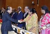 Премьер-министр Вьетнама принял послов стран Ближнего Востока и Африки