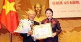Chủ tịch Quốc hội Nguyễn Thị Kim Ngân dự Lễ trao tặng Huy hiệu 60 năm 45 năm 30 năm tuổi Đảng