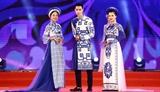 Lhistoire vietnamienne racontée sur les pans des áo dài du styliste Nhât Thuc