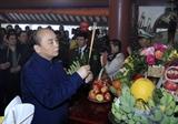 Thủ tướng Nguyễn Xuân Phúc và lãnh đạo Đảng Nhà nước dâng hương tưởng niệm Chủ tịch Hồ Chí Minh