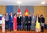 Vicepremier vietnamita se reúne con coterráneos en Suiza en ocasión del Tet