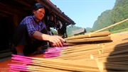 Phia Thap incense village