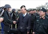 Премьер-министр Вьетнама проверил боеготовность милицейских сил быстрого реагирования