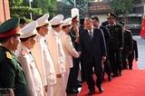 Премьер-министр Нгуен Суан Фук поздравил с Тэтом военнослужащих и жителей г. Дананга