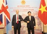 Phó Thủ tướng Bộ trưởng Ngoại giao Phạm Bình Minh hội đàm với Bộ trưởng Ngoại giao và Phát triển Vương quốc Anh