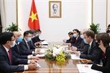 Thủ tướng Nguyễn Xuân Phúc tiếp Thứ trưởng Thương mại Vương quốc Anh và Lãnh đạo Tập đoàn Enterprize Energy