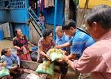 Aide durgence aux personnes dorigine vietnamienne touchées par des inondations au Cambodge