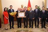 Việt Nam trao Huân chương Hữu nghị tặng Cố vấn đặc biệt của Thủ tướng Nhật Bản